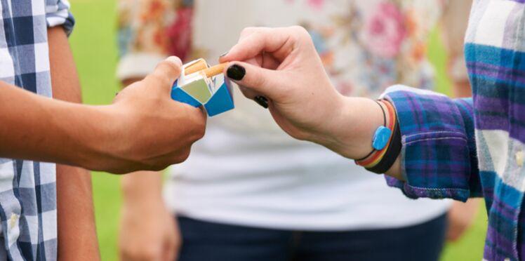 Les ados asthmatiques plus susceptibles de fumer que des jeunes en bonne santé