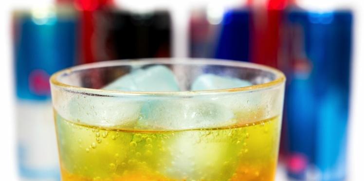 Pourquoi ne pas mélanger l'alcool aux boissons énergisantes ?