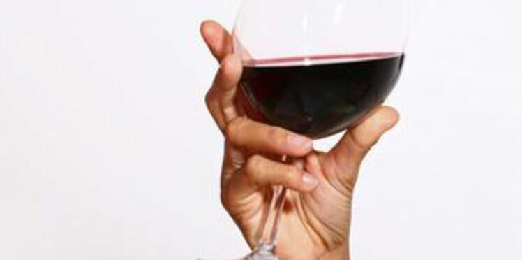 Plus d'une Française sur deux continue à boire de l'alcool pendant sa grossesse