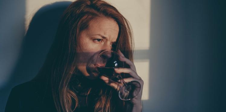 Alcoolisme : un traitement novateur testé en France pour lutter contre la dépendance