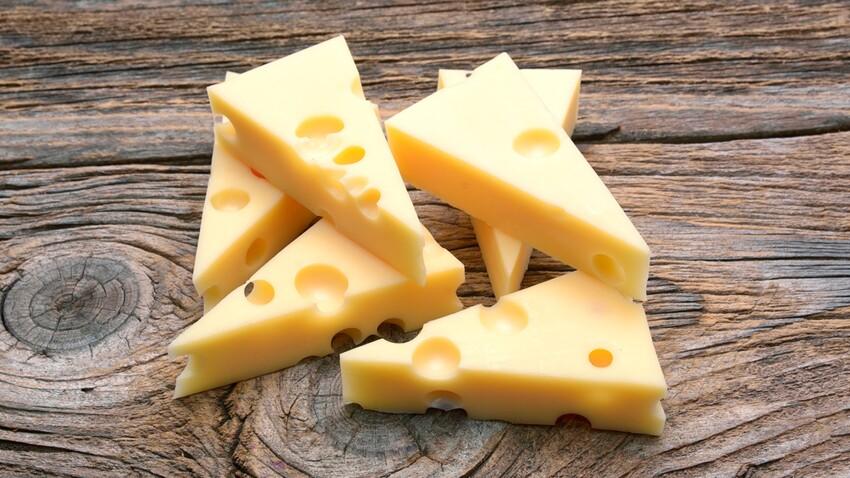 Une bactérie mortelle présente dans le fromage résisterait aux antibiotiques