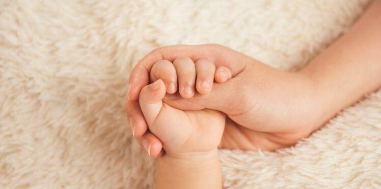 Bébé: le peau-à-peau pour limiter les risques de décès prématuré