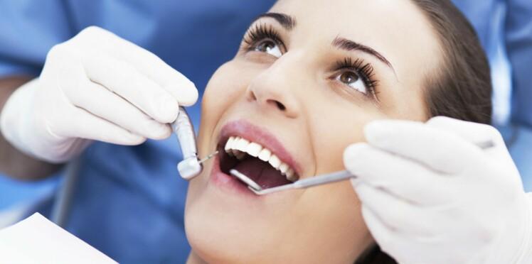 Bien se brosser les dents permettrait d'éviter les AVC