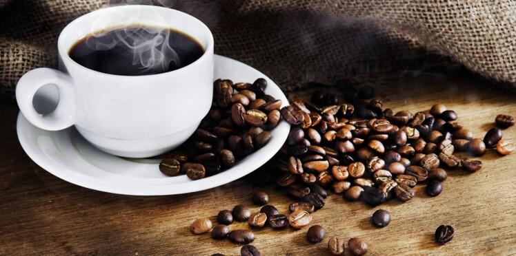 Boire du café en fin de journée retarde l'endormissement de 40 minutes