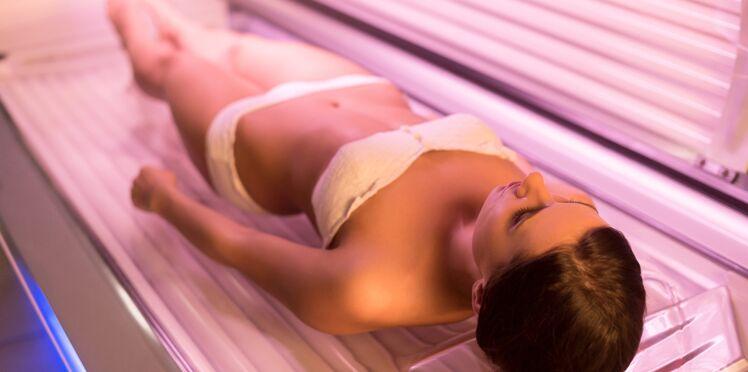 Non, les cabines UV ne préparent pas votre peau au soleil !