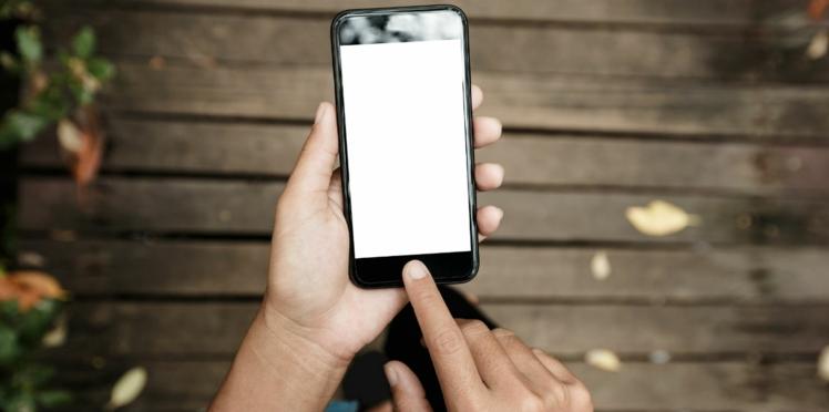 Cancer: augmentation minime du risque avec les ondes des téléphones portables