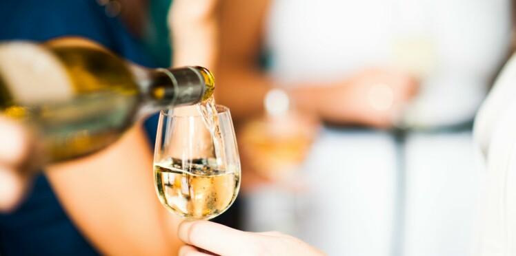 Cancer de la peau : le vin blanc favoriserait l'apparition de mélanome