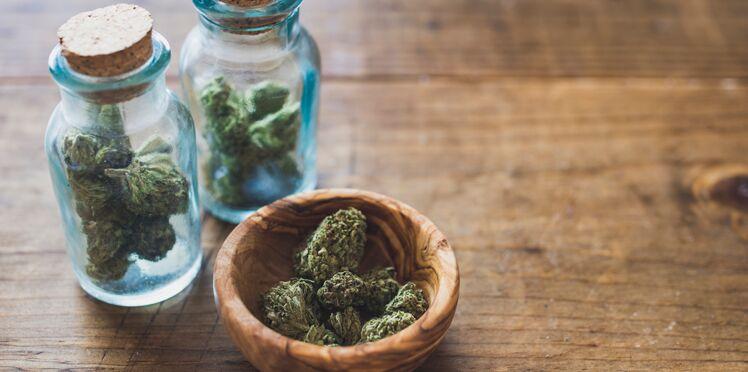 Cannabis : 1 Français sur 2 est pour la légalisation