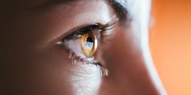 Selon des chercheurs, la maladie d'Alzheimer peut se détecter dans nos yeux