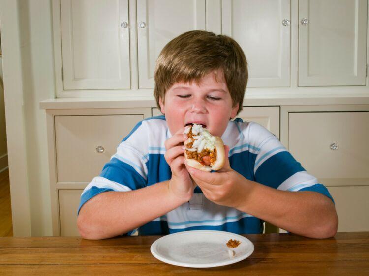 La chirurgie de l'obésité uniquement en dernier recours chez les mineurs