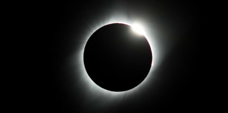 Eclipse du 21 août : de la crème solaire dans les yeux pour se protéger