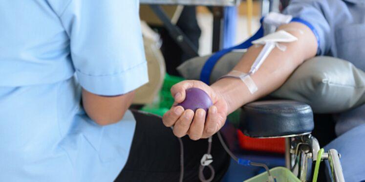 Le don du sang d'une jeune sourde rejeté par un médecin