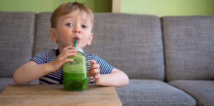 Enfants: attention au sucre dans les jus de fruits et les smoothies