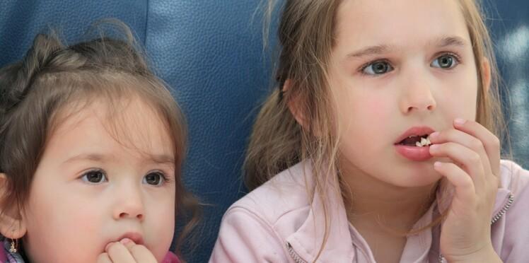 Enfants : regarder trop de pub à la télévision rendrait obèse