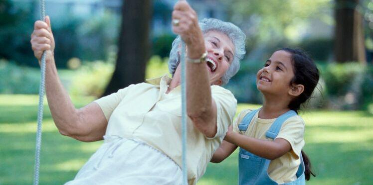 Espérance de vie : les femmes vivraient 6 ans de plus que les hommes