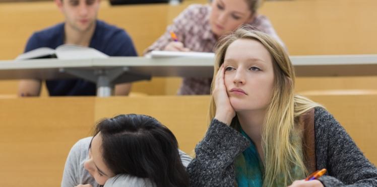 Stress  et manque de sommeil : les fléaux des étudiants