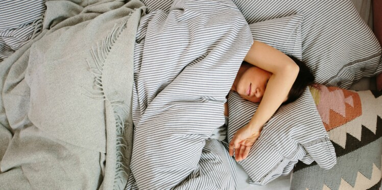 La grasse matinée du week-end permet de rattraper le manque de sommeil et allonger l'espérance de vie