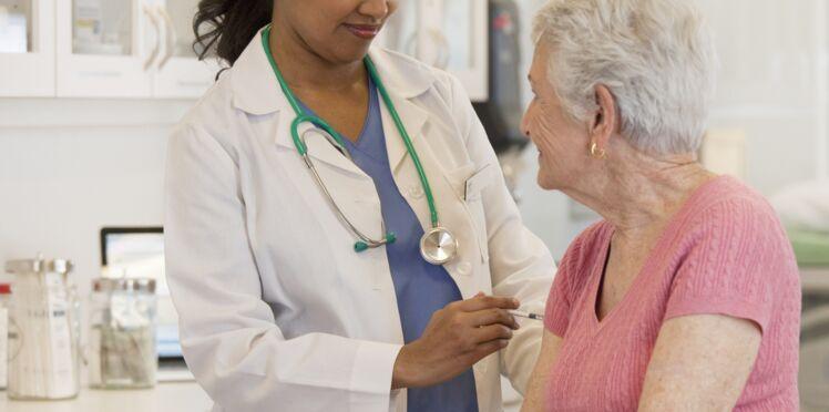 Grippe: 47% des personnes âgées redoutent les effets secondaires du vaccin, quels sont-ils ?