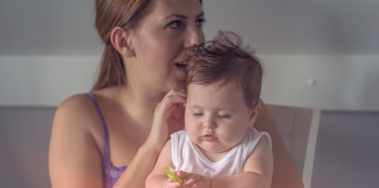 Pour calmer votre bébé, chantez !