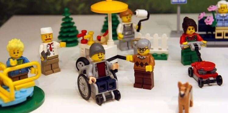 #ToyLikeMe : Lego lance une figurine handicapée