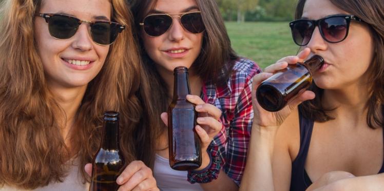 Moins de cigarettes mais plus d'alcool pour les bons élèves
