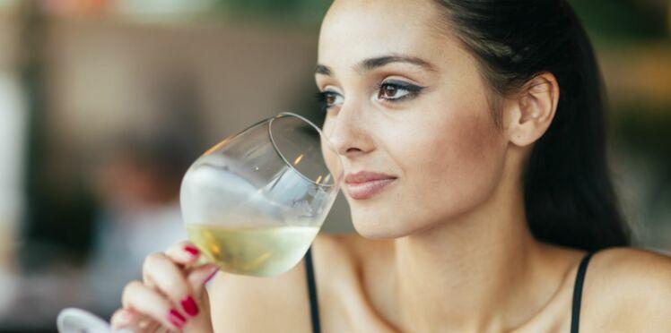 Les femmes boivent autant d'alcool que les hommes