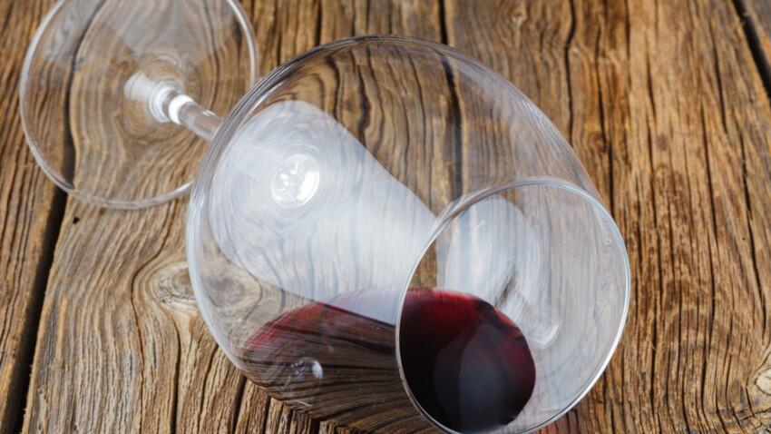 Les grands verres à vin encourageraient à boire plus d'alcool