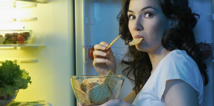 Manger juste avant d'aller se coucher, c'est mauvais pour la mémoire