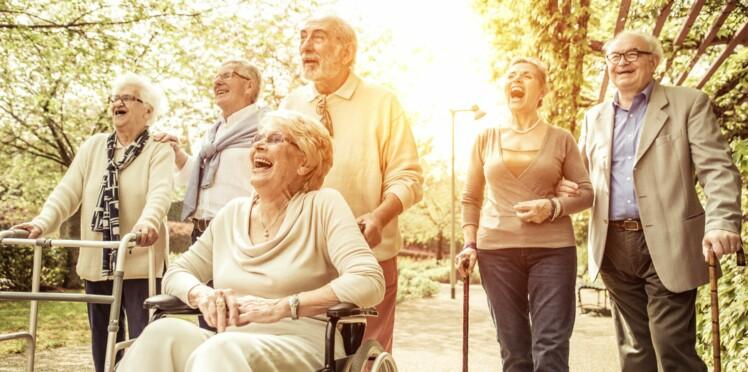 Maladie d'alzheimer : la marche ralentirait le déclin cognitif