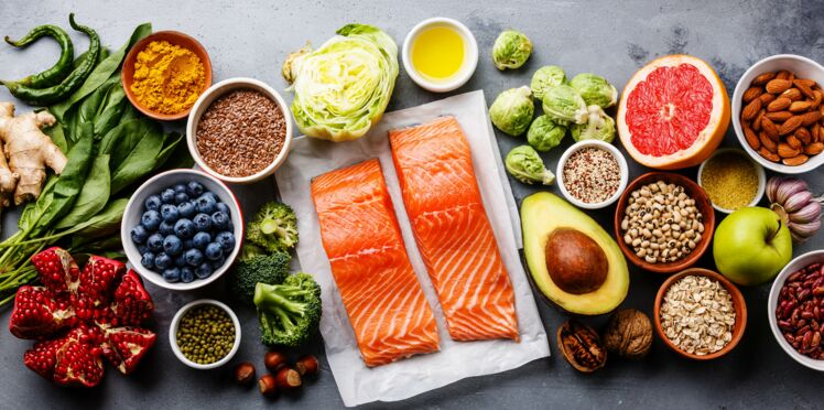 Alimentation : deux habitudes à prendre pour retarder la ménopause