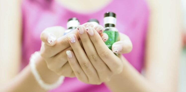 Ménopause précoce : attention aux vernis, parfums, make up...