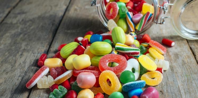 Nanomatériaux : des ONG alertent sur la présence d'un colorant toxique dans les confiseries et les plats préparés