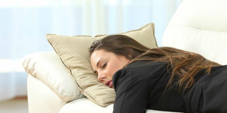 Narcolepsie : Une jeune femme s'endort après chaque émotion forte