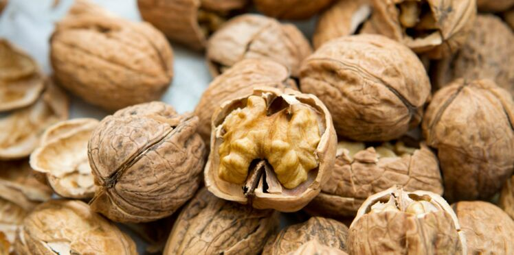 Manger des noix fait baisser le taux de cholestérol