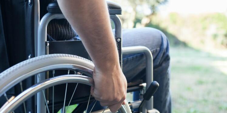 43 ans dans un fauteuil roulant pour une erreur de diagnostic