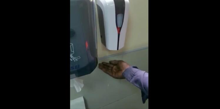 """L'étrange histoire du """"savon raciste"""" : ce distributeur automatique ne fonctionne que sur les mains blanches"""
