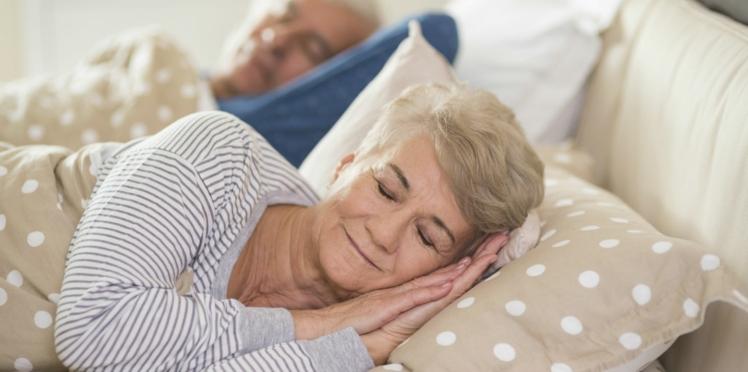 Seniors : un sommeil de qualité, le secret pour rester jeune ?