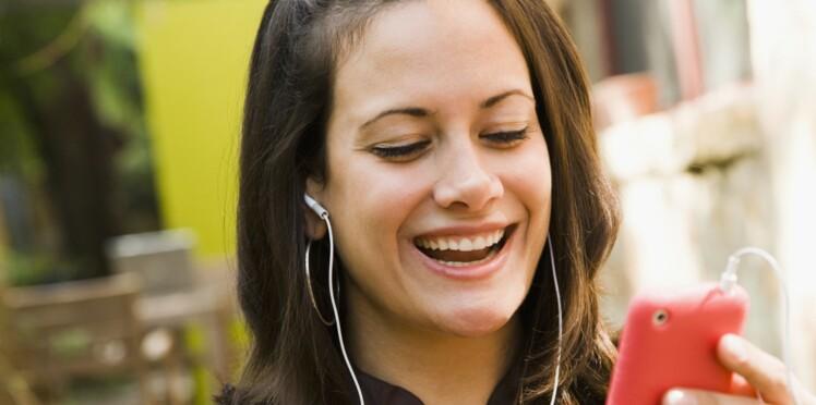 Smartphones : Les oreilles des ados en danger ?