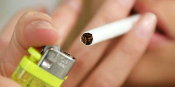 L'interdiction de fumer dans les lieux publics est maintenue