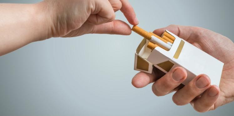 Tabac : ça y est, le paquet neutre est en vente partout en France