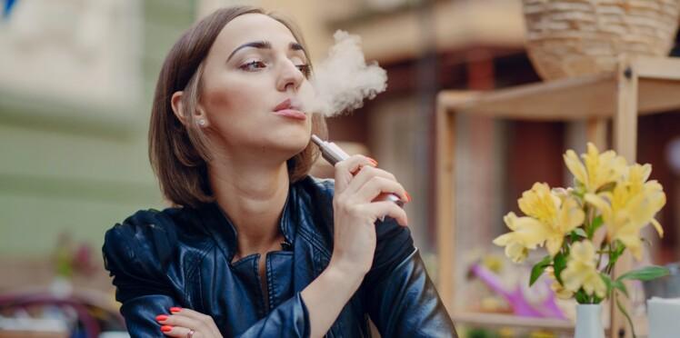 Vapoter aide à réduire la consommation de cigarettes mais pas d'arrêter de fumer
