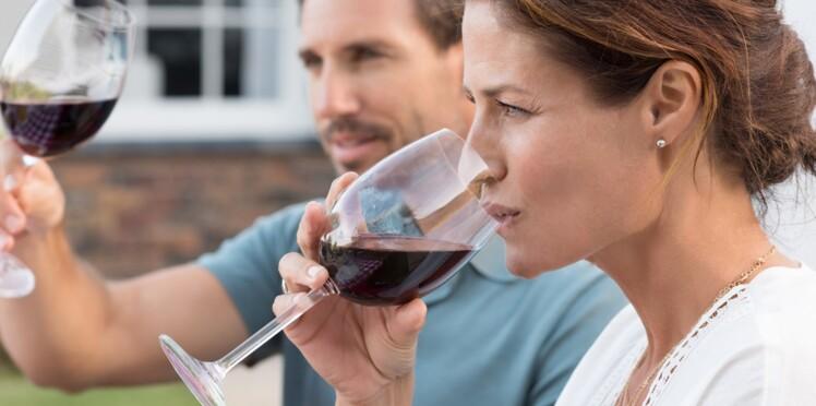 La taille de notre verre influencerait notre consommation d'alcool