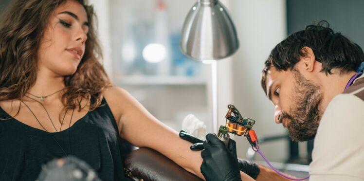 Tatouage à l'œil : une mannequin canadienne qui risque de perdre la vue  témoigne