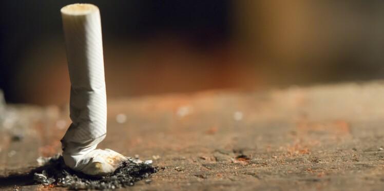 Atteint d'un cancer de la gorge, il tue celui qui l'avait incité à fumer
