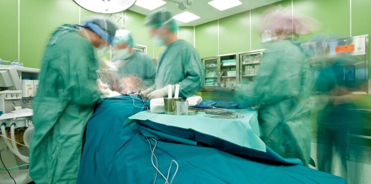 Une jeune femme se fait réimplanter les deux bras après un accident