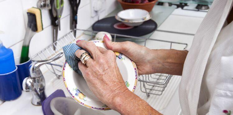 Faire la vaisselle, un remède anti-stress ?