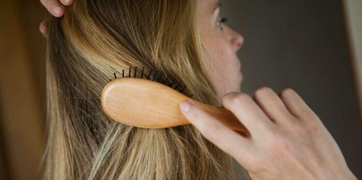 Que faire si je perds mes cheveux ? 5 étapes pour empêcher ça