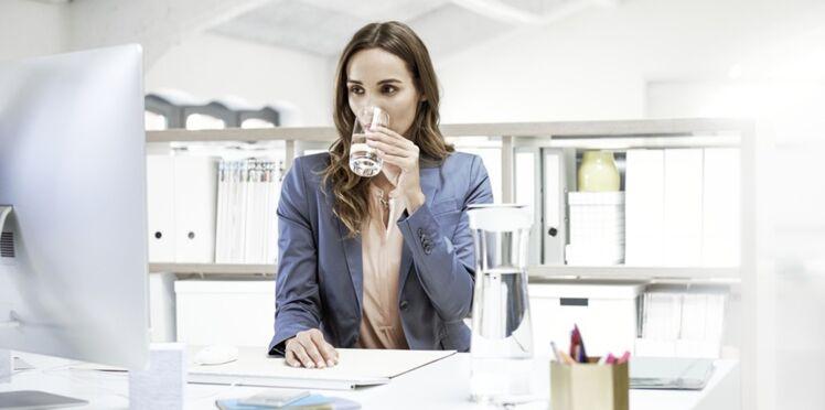 4 bonnes raisons d'adopter une carafe filtrante au bureau