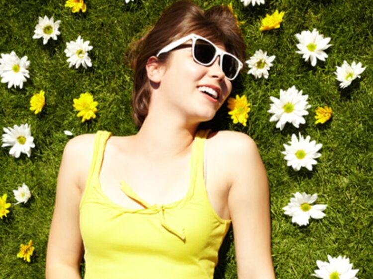 Choisir la bonne catégorie de protection - 6 conseils pour bien choisir vos  lunettes de soleil   Femme Actuelle Le MAG d9abcaeeac4d