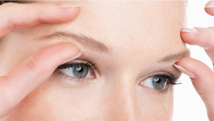 Des exercices faciles contre la fatigue des yeux   Femme Actuelle Le MAG 7d99a948ce4